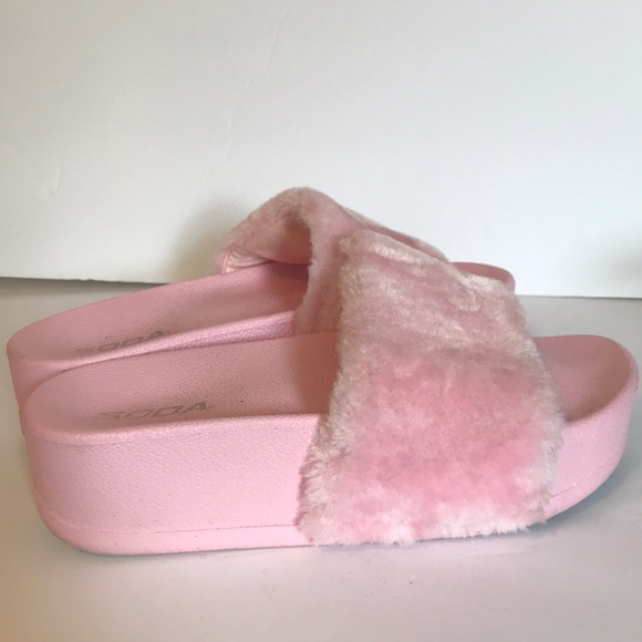 d52a0edc2883 SODA Faux Fur Women s Light Pink Fur Slides Size 8